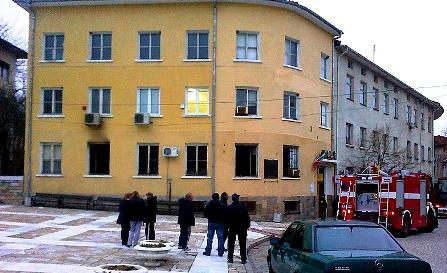 пожар, пощата, в ивайловград, пожар в пощата в ивайловград